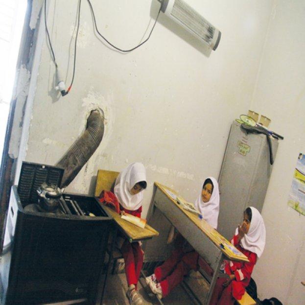 از بخاریهای نفتی تا تعطیلی مدارس در قُلیان/مجهز شدن همه مدارس کردستان تا سال 95 به سامانه گرمایشی